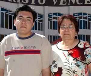 Julio César Robles y Josefina Gámez Hernández.