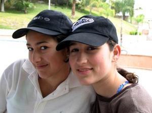 Mónica Alejandra y Mayra López Ruiz.