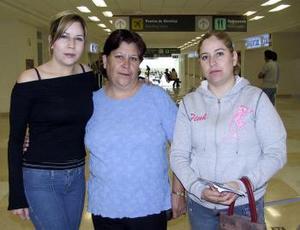 Romana Cisneros viajó  a Tijuana y fue festejada por Juventina Sánchez y Montserrat Cisneros