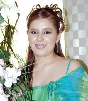 Alma E. Alemán Pérez recibió felicitaciones por su próximo matrimonio  con Carlos A. Collins