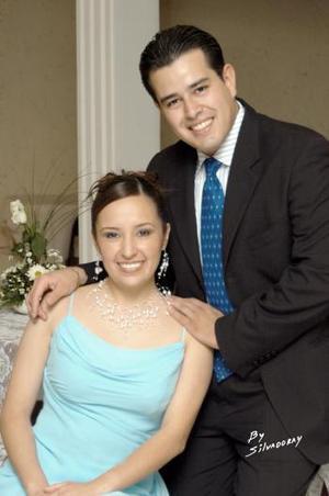 Sr. Iván de la Torre y Srita. Mirna Evelyn López Ramírez efectuaron su presentación religiosa y contrajeron matrimonio civil.