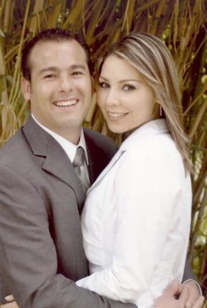 <b>27 de marzo 2005</b> <p> L.I.N.Javier Edgardo de Hoyos y L.A. Ofelia Kópez Cortinas contraerán matrimonio el próximo 28 de mayo de 20053.