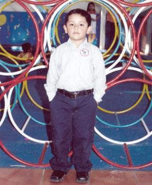 Diego Saúl García Arreola, es hijo de los señores Raúl García Espinoza y Sandra Lorena Arreola.
