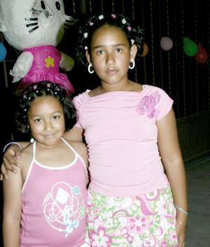 Flor Elena Vargas con su hermana Alicia