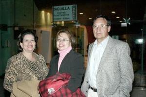 Nohemí de Pámanes, Clara de Hernández y Ricardo Hernández.