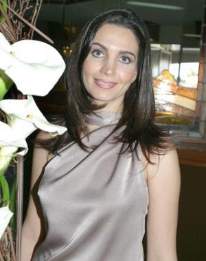 Alicia Estrada Murra unirá su vida en matrimonio a la de David Rangel Vallari.