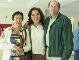 <b>30 de marzo </b><p> Martha Meade viajó a México, DF y fue despedida por Patricia Meade y Ramón Aguilera.