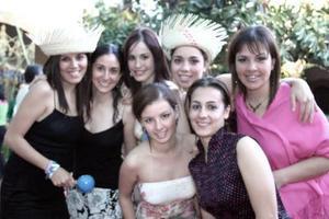 J-Mafer Belmont; Lorena López, Pily González, Any Ginea, Gaby Arriaga, Renata Olivares y Ana Carmen Mendoza