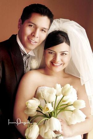Ing. Jesús Iván Obregón y la Ing. Norma Elia Recio Arias se casaron el pasado cinco de marzo en la parroquia Los Ángeles.
