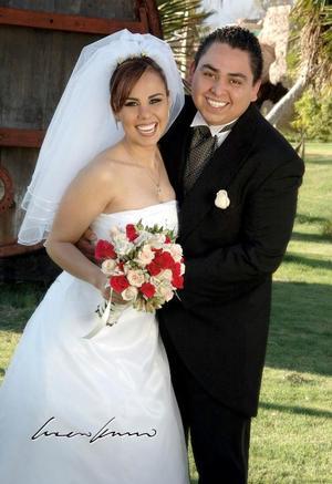 Ing. José Antonio Martino García y Lic. Alejandra López Zúñiga contrajeron matrimonio en la parroquia de Nuestra Señora de San Juan de los Lagos el 26 de febrero.