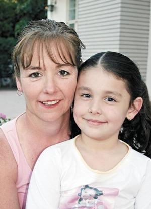 <I>REUNIÓN FAMILIA GRAHAM</I><P>Menina Graham de Cosio y Sofía Cosio Graham