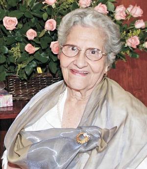 <I>FESTEJÓ SU CUMPLEAÑOS 80</I><P>Leonor García de Reyes