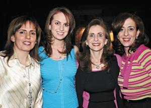Elvira de Bello, Sofía Zarzar, Katia de Zarzar y Linda de Zarzar