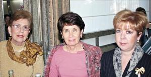 Isabel Rivero de González, Ma. Ángeles de Valdés y Claudia C. de Rueda