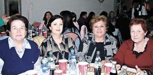 Marina Pruneda, Malena T. de Sada, Mercedes de Cabranes y Margarita de Murra