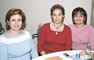 <I>TARDE DE BINGO</I><P>Lourdes Jaidar de Macías, Cristina de Zesati y Mila de Jaidar