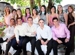 Brad, Vito, Cocol, Tom, Carlos, Sofía, Jéssica, Laura, Sofía, Mariana, Cecy, Nishme, Mague y Rocío.