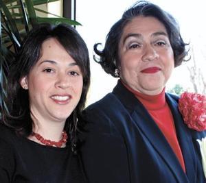 <I>CUMPLEAÑOS EN SALÓN DE FIESTAS</I><P>Marissa Estrella de Ibarra y Marissa I. de Dueñes