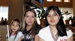 Paulina, Ruth y Marian Saldaña.