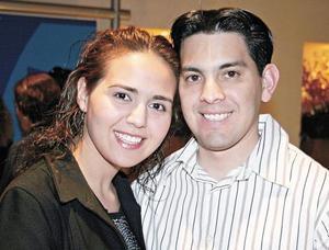Iztaccihuatl Sánchez y Gustavo Martínez