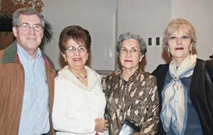 Gabriel de León, Pily de León, Maria Aurora Revuetas y Ana Silvia Graham