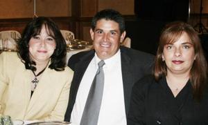 Cecilia Flores de Zarzoza, Ciro Mario Zarzoza y Ana Clara Luna