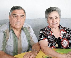 Luis Solares y Rosy F. de Solares