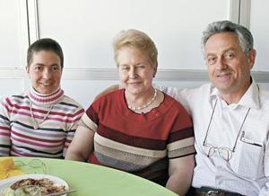 Jaime Gutiérrez Pesquera, Susana Schott de Gutiérrez y Gabriela Gutiérrez Schott