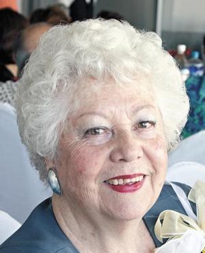 <I>FESTEJA SUS 80 AÑOS</I><P>La festejada Irma Trejo de Cobian