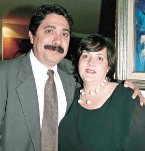<I>CENA DEL PATRONATO DEL TEATRO ISAURO MARTÍNEZ</I><P>Ricardo Garrido y Laura Eraña