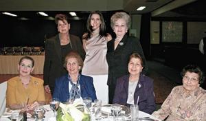 Gloria M. de López Negrete, Alicia Estrada Murra, Enriqueta B. de Murra, Gabriela Cofiño de Murra, Rosa Talamás de Murra, Alicia Murra de Marcos y Victoria M. de Murra