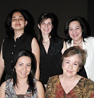 Isabel V. de Murra, Doris González de D´Ávila, Helda Rodríguez, Sara Olivares y Cony Valdéz