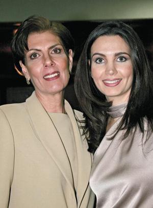 Alicia Murra de Estrada y Alicia Estrada Murra