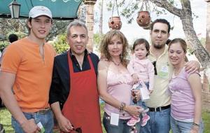 Enrique Alonso, Gabriela Casale, Enrique Alonso, Cinthia Serna, Gerardo Alonso y Carolina Alonso