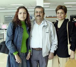 Fernando Salazar, Ady de Salazar y Violeta Salazar viajaron a Cancún.