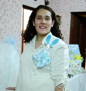 María Cristina Vargas Cepeda recibió lindos obsequios en la fiesta de canastilla que le orfcieron por el bebé que espera.
