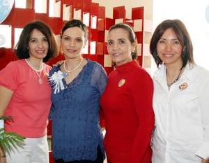 Rocío Vargas de Kuri disfrutó de una agradable reunión de canastilla que le organizaron su mamá, María del Rosario Contreras y sus hermanas, Rosario e Imelda Vargas.