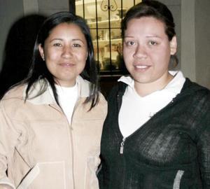 Lilian Álvarez y Karina Ortega.