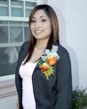 03 de abril  Cynthia Hernández García en su despedida de soltera.