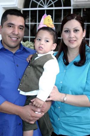 Con motivo de su segundo cumpleaños el pequeño Andrés Misael Gutiérrez Aguayo fue fsetejado con una fiesta por sus papás Francisco Misael Gutiérrez y Marlene Aguayo de Gutiérrez.