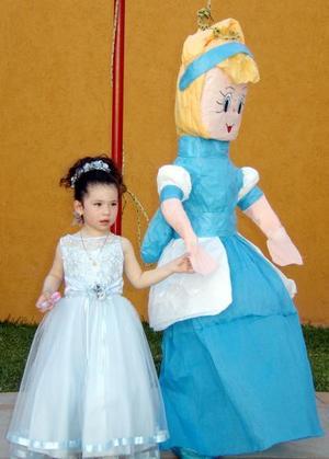 Ilse Fernanda Martínez Martínez festejó su cumpleaños el 20 de marzo de 2005 con un divertido convivio.