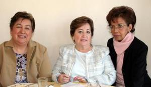 Elba de Rodrígiez, Conchita de Romero y Patricia de Rivera.