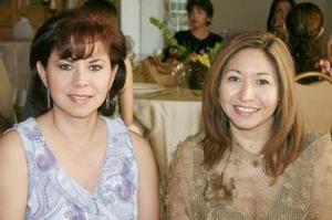 Georgina Medina de Ayala y Yolanda Jaramillo de González.
