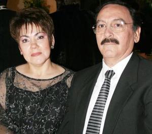 Lupita de Faudoa y Carlos Herrera.