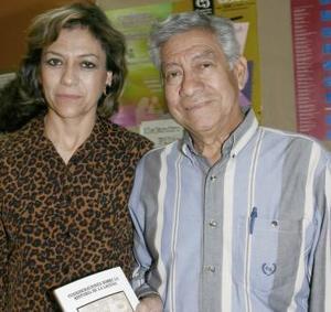 Alicia de Valero y Jesús Hernández.