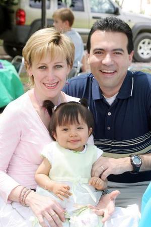 Joaquín Guerra y Mónica Grageda , en reciente festejo.