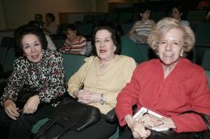 Josefina, María Concepción Sotelo y Rosita Gómez Reyes Retana
