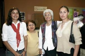 Leticia González, Adriana Meza, Brenda Espinoza y María Inés Gómez.