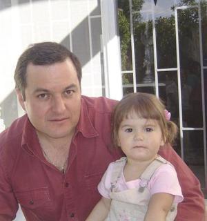 <b>05 de abril </b> <p> Jaime Russek y Romina Russek