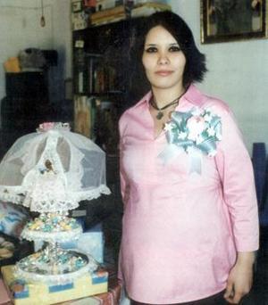 Marisol Peña de Calzada en su fiesta de canastilla